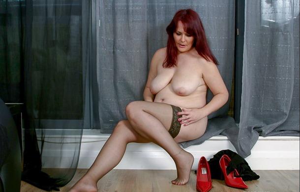 busty brits redhead babe